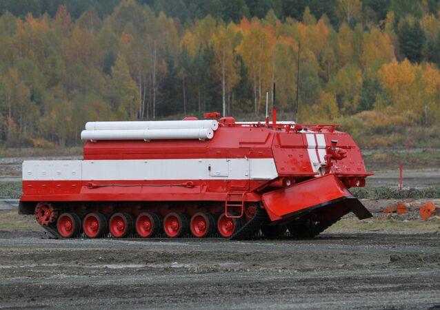 Veículo especial de combate a incêndio SPM.