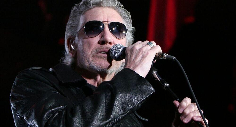 Roger Waters durante um show em Barcelona