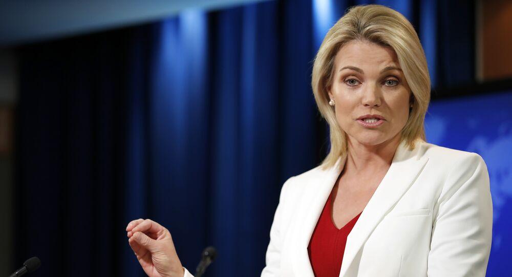 A porta-voz do Departamento de Estado, Heather Nauert, fala durante um briefing no Departamento de Estado em Washington