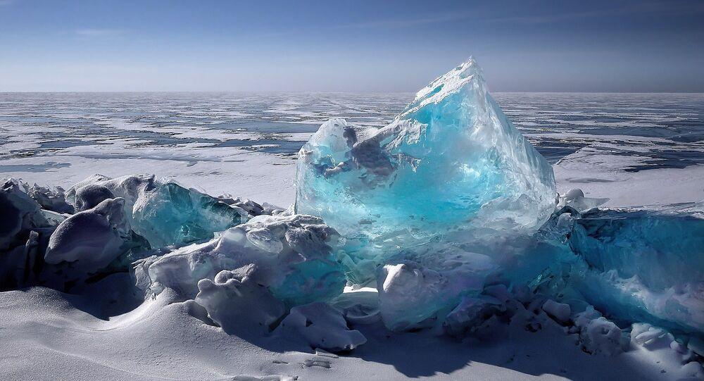 Lago gelado (imagem referencial)