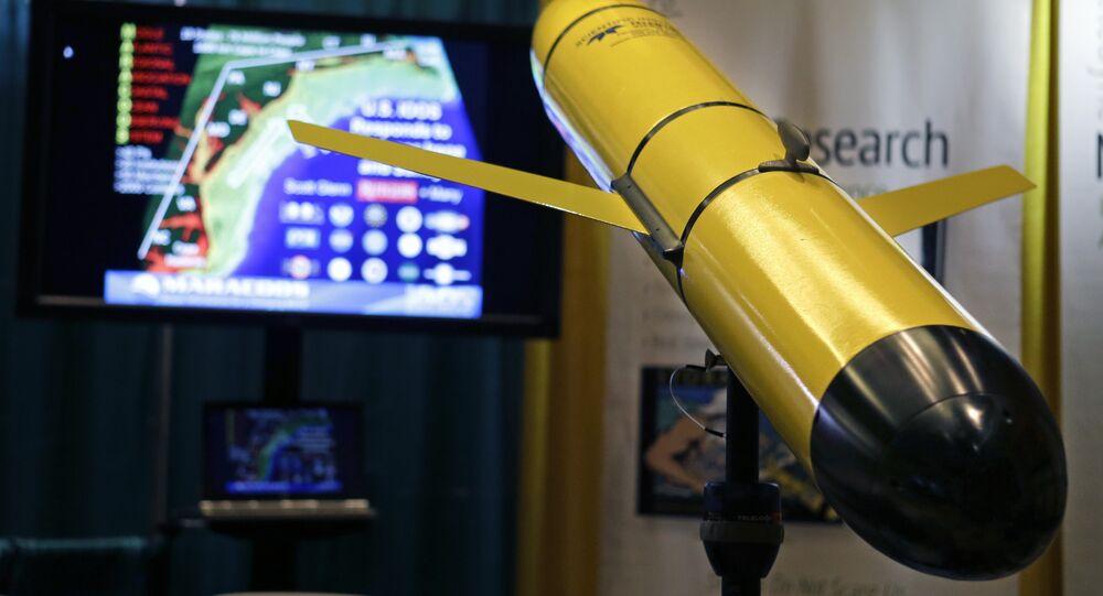 Veículo submarino Slocum G2, fabricado pela Teledyne Webb Research, é exibido na Conferência Nacional de Furacões de 2014, 15 de abril de 2014, em Orlando, Flórida (imagem de referência)