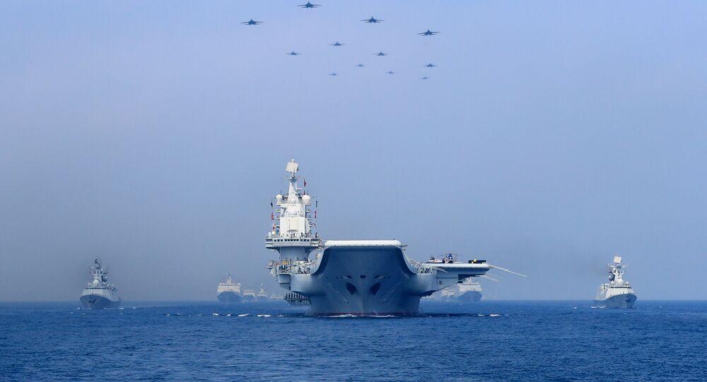 Navios chineses participam de desfile naval no mar do Sul da China