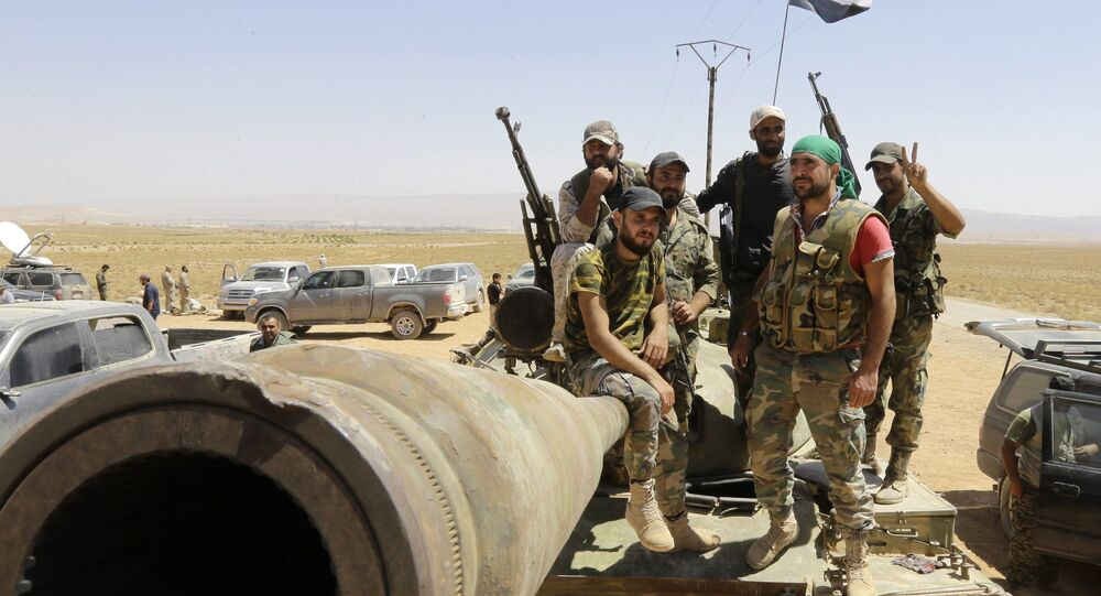 Exército sírio vigia a região de Qalamoun, Síria (foto de arquivo)