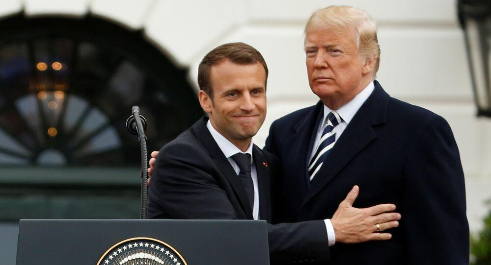 O presidente dos EUA, Donald Trump, ao lado do presidente francês Emmanuel Macron durante uma coletiva na Casa Branca
