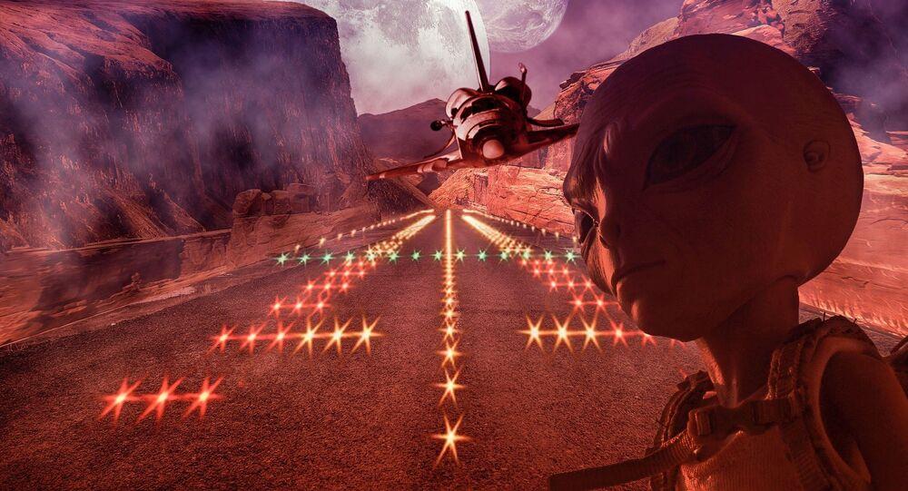 Extraterrestre com nave alianígena no plano de fundo