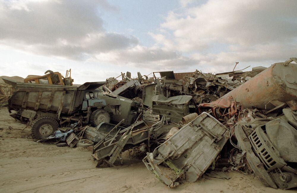 Cemitério do equipamento radiativo que foi usado para liquidar consequências negativas da catástrofe na Usina Nuclear de Chernobyl