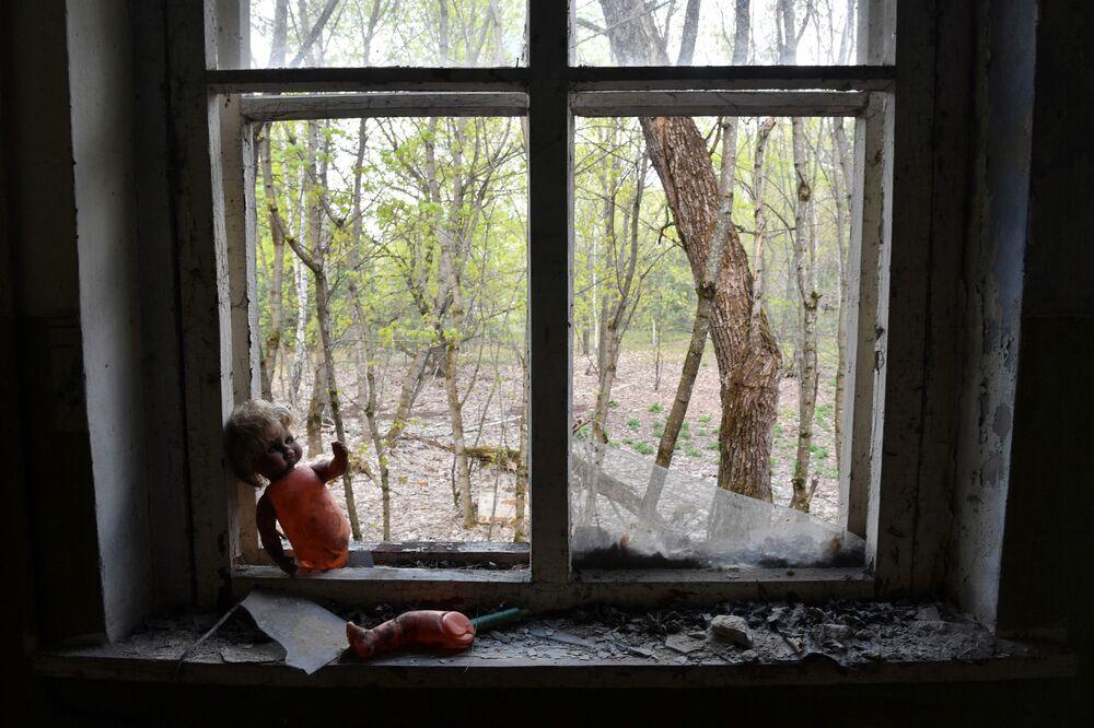 Jardim de infância abandonado em uma aldeia próxima ao Central Nuclear de Chernobyl