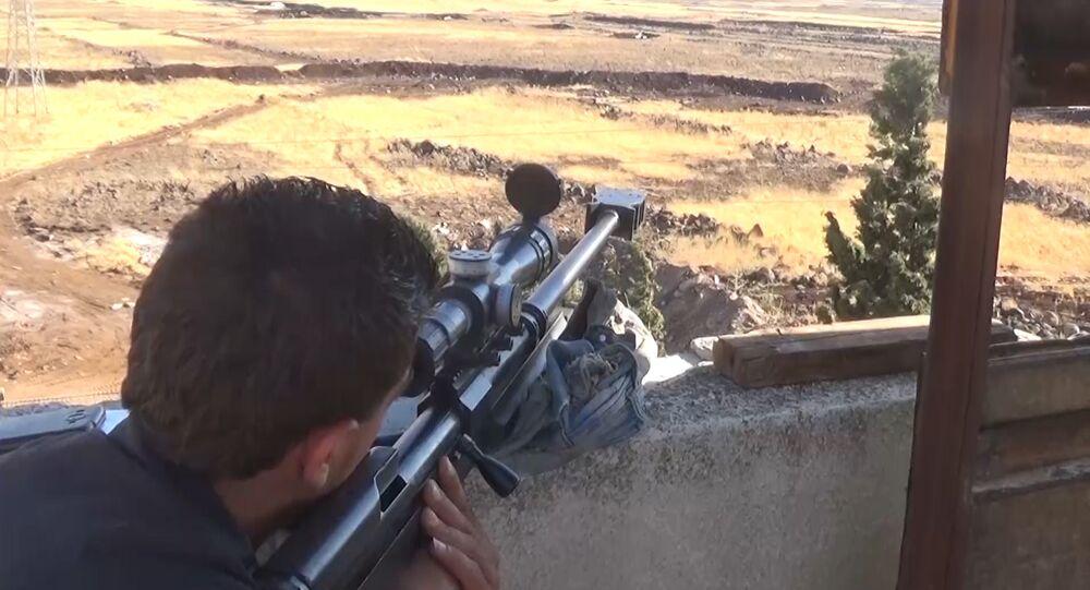 Aviões sírios destroem grande coluna de terroristas da Frente al-Nusra em Hama