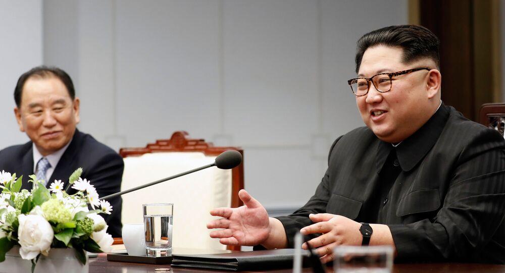 Mandatário da Coreia do Norte, Kim Jong-un, fala no decurso das negociações intercoreanas