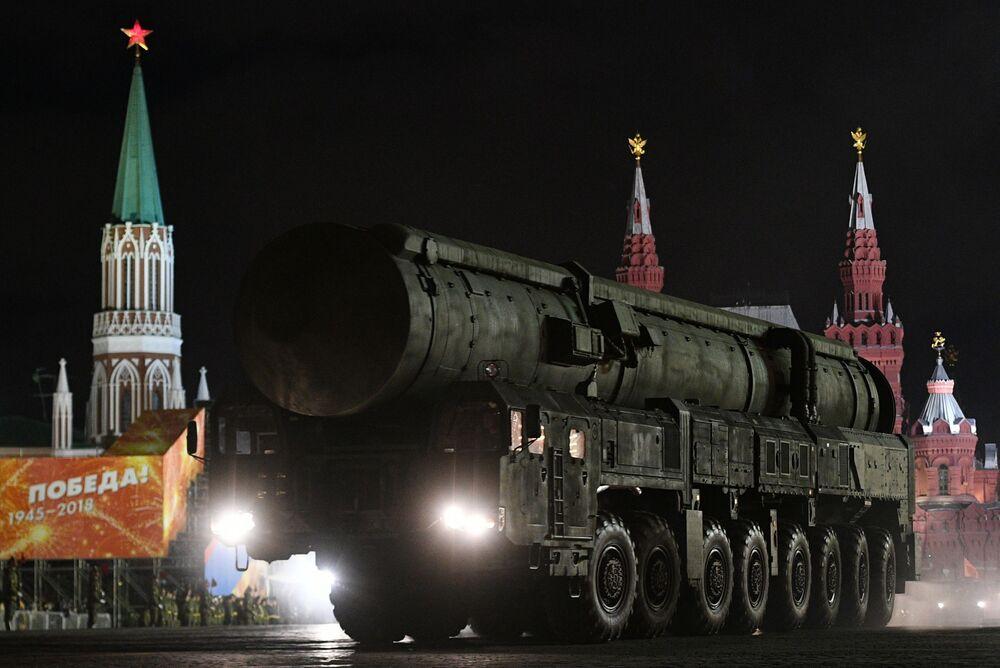 Contentor de transporte e lançamento do sistema RS-24 Yars