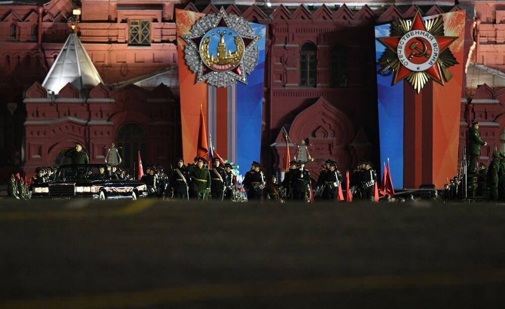 Durante o ensaio do desfile militar na Praça Vermelha