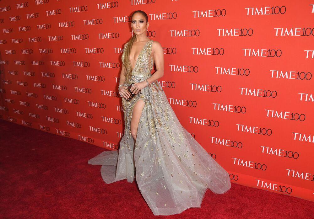 Cantora e atriz Jennifer Lopez participa de uma recepção dedicada à publicação da lista anual do Top-100 das pessoas mais influentes no mundo, em Nova York