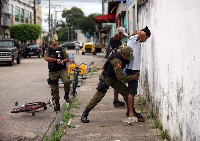 Policiais militares fazem operação em Belém no feriado de 1º de maio