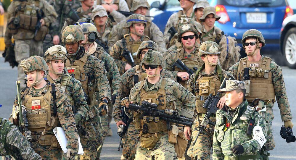 Marinha norte-americana durante exercícios conjuntos dos EUA e Coreia do Sul em Pohang
