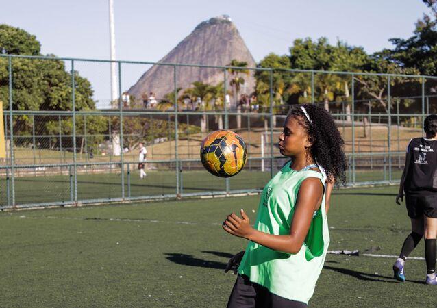 Taisa Melo De Souza, jogadora da seleção brasileira na Street Child World Cup 2018.