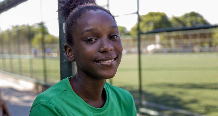 Rebeca Cristiny Santos, jogadora da seleção brasileira na Street Child World Cup 2018.