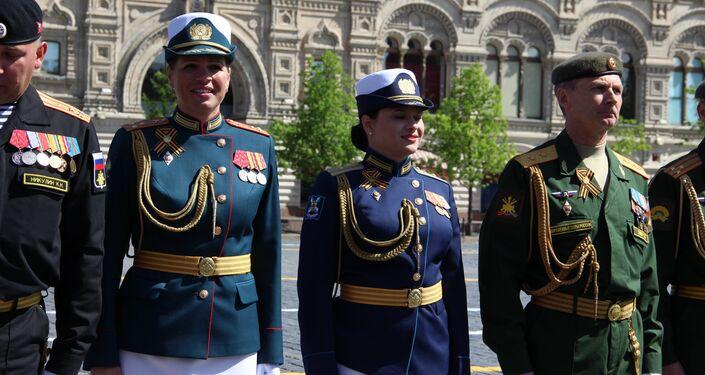 Comandantes dos destacamentos femininos que participaram da 73ª Parada da Vitória, na Praça Vermelha, em 9 de maio de 2018