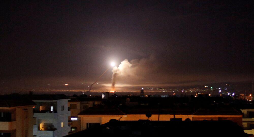 Míssil sobrevoando a Síria, 10 de maio de 2018