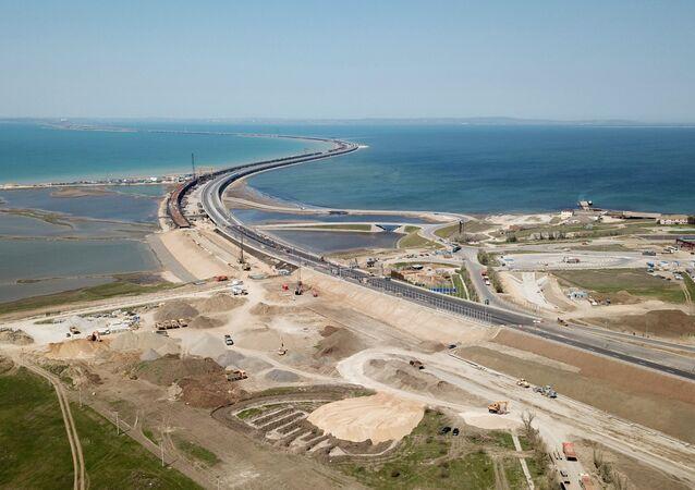 Construção da Ponte da Crimeia através do estreito de Kerch