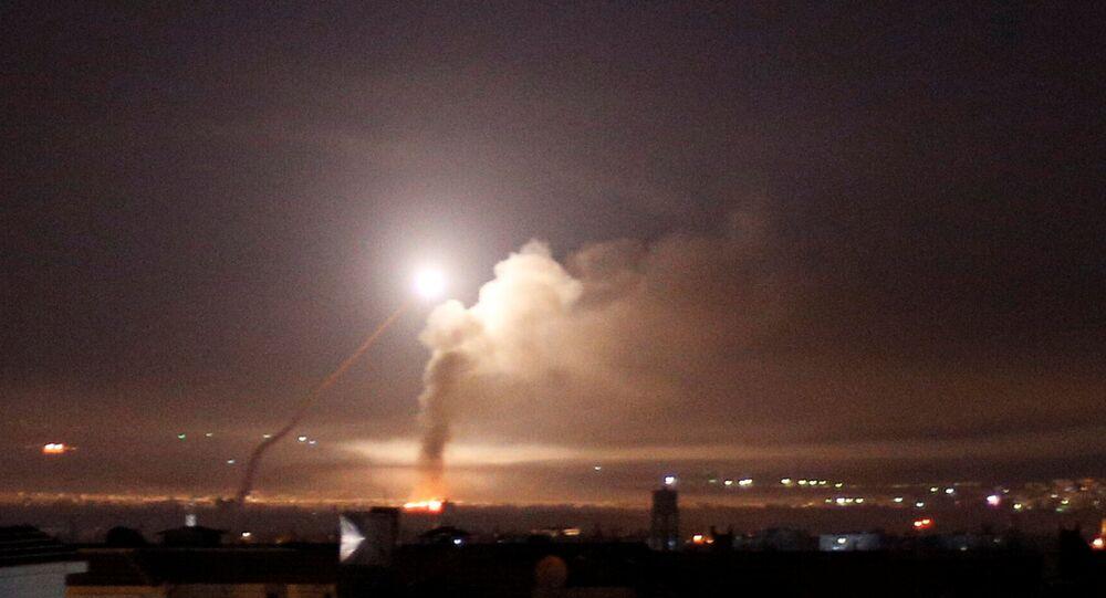 Lançamento de um míssil na Síria