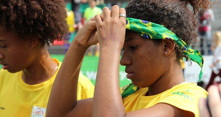 Jogadora da equipe brasileira na final da Street Child World Cup 2018, em Moscou, em 16 de maio de 2018