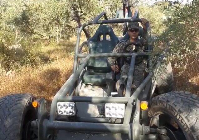 Militares sírios constroem todo-o-terreno para áreas montanhosas