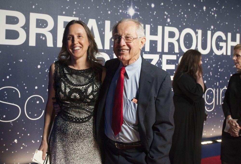 Diretora executiva do YouTube Susan Wojcicki com seu pai Stanley.