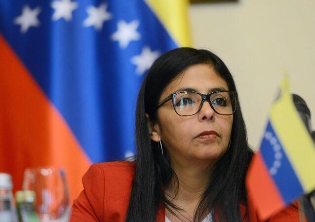 Delcy Rodríguez, ministra das Relações Exteriores da Venezuela, durante a reunião da Comissão Interparlamentar russo-venezuelana em 26 de maio de 2015.