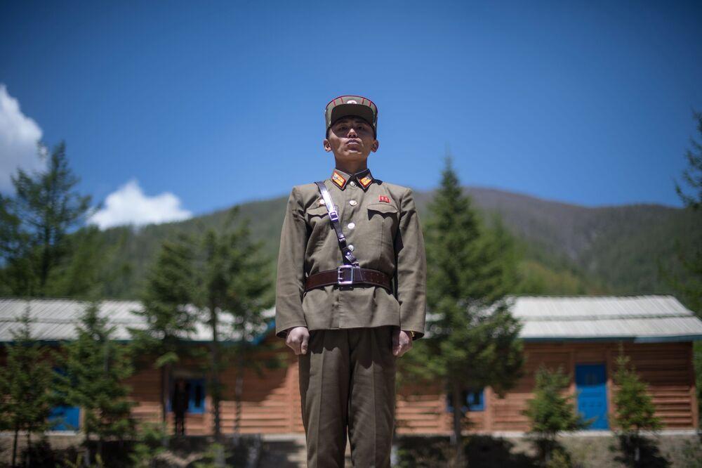 Soldado no polígono nuclear de Punggye-ri, no norte da Coreia do Norte