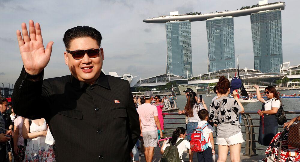 Howard X, sósia de Kim Jong-un, em Singapura