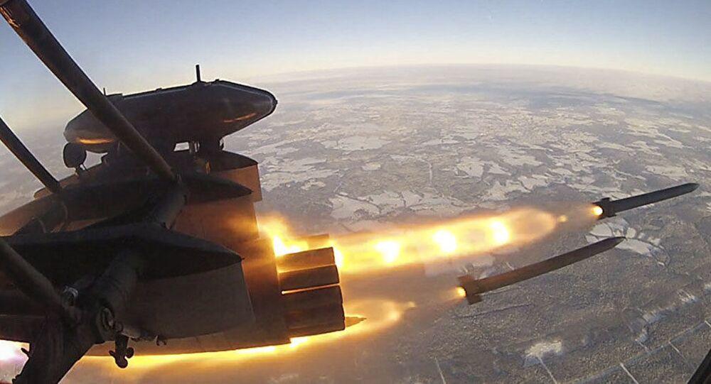 Lançamento do míssil S-8 (foto de arquivo)