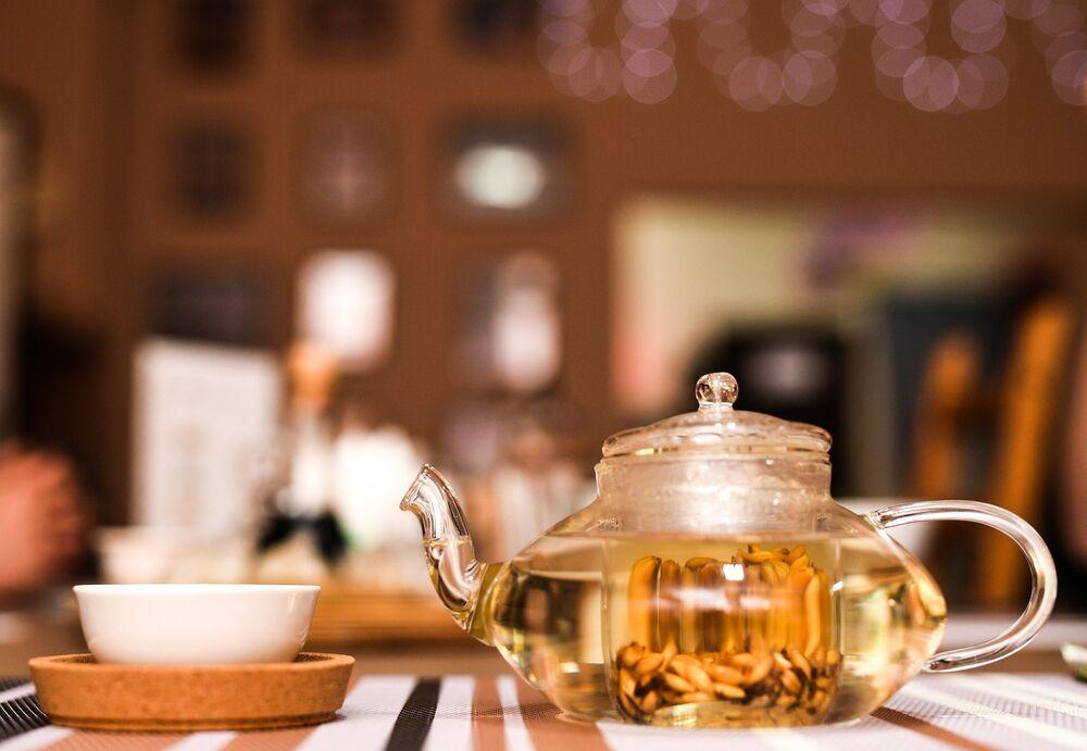 Chá tradicional parichkha do Kuksi House Bar em Volgogrado