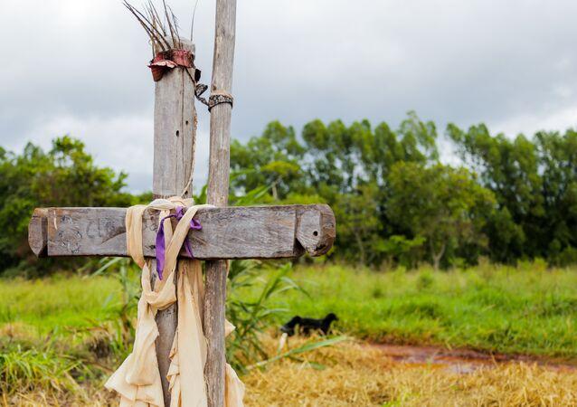 Túmulo do indígena Clodiodi Aquileu Rodrigues, assassinado em Caarapó, Mato Grosso do Sul.