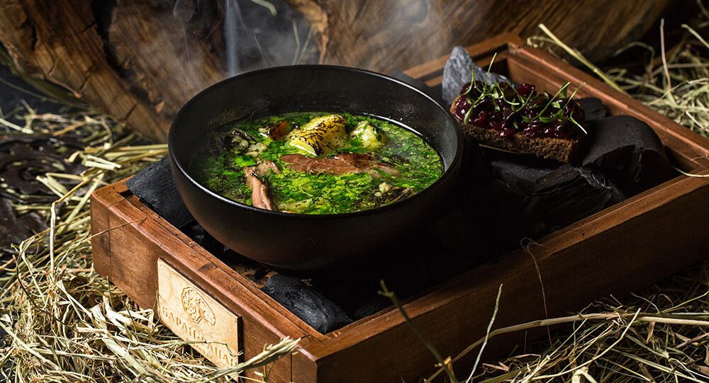 Sopa preparada na lenha do Restaurante Baran-Rapan