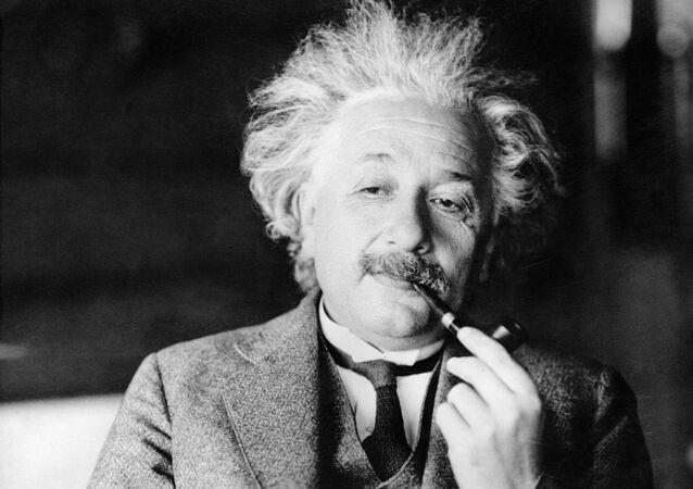 Esta foto de arquivo sem data mostra o lendário físico Dr. Albert Einstein, autor da teoria da relatividade