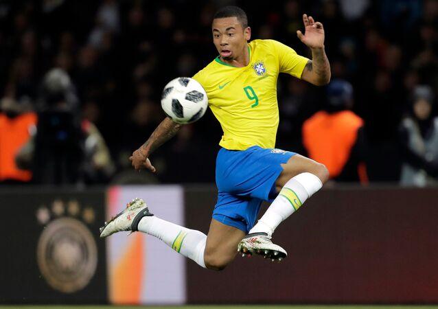 Gabriel Jesus em jogo amistoso contra a Alemanha.