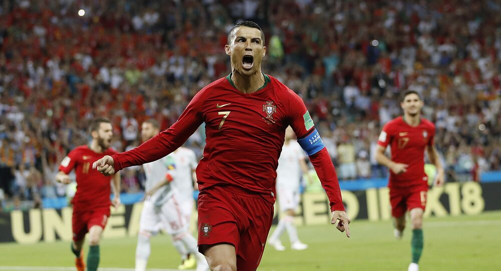 Cristiano Ronaldo comemora seu gol.