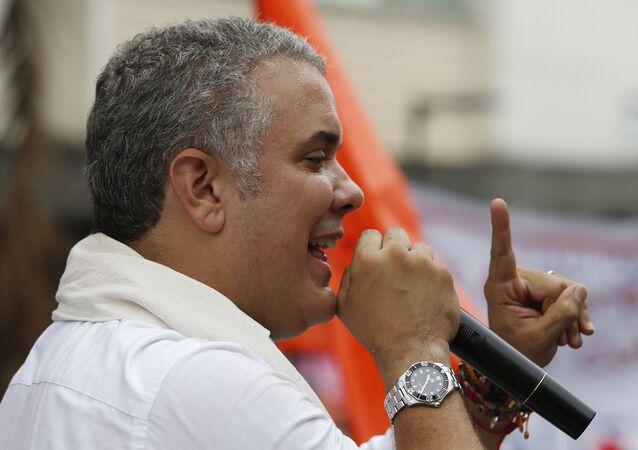 Iván Duque, em comício na Colômbia, em 10 de junho de 2018.