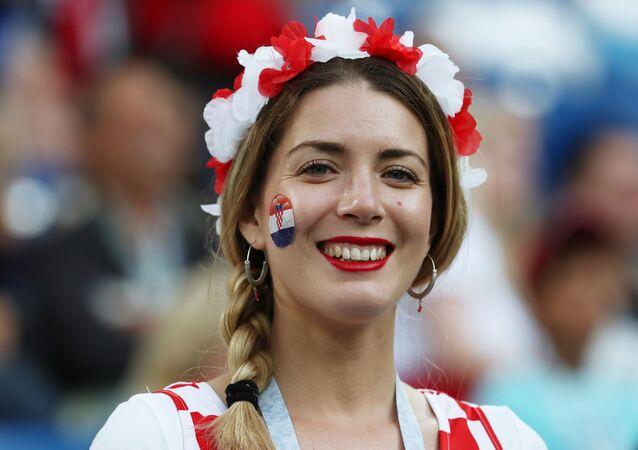 Croata apoiando sua Seleção durante partida contra a Nigéria.
