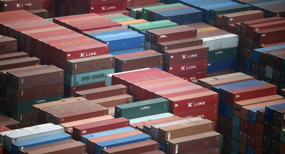 Container em porto da China (foto de arquivo)