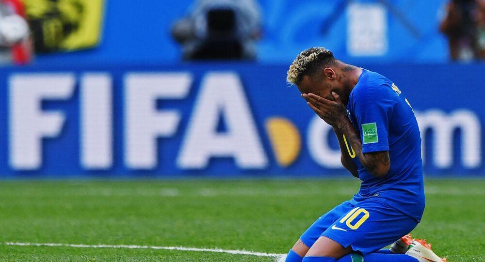 Neymar chora após marcar gol no último minuto da partida contra a Costa Rica, em 22 de junho de 2018
