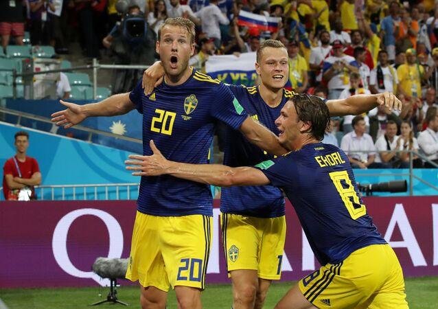 Alemanha x Suécia - Ola Toivonen comemora o gol da Suécia, que abriu o placar