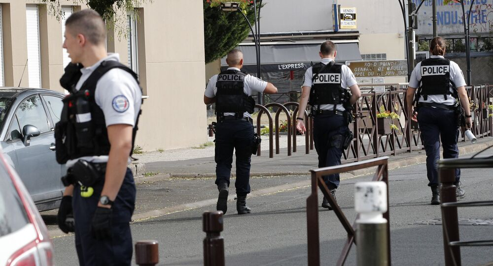 Agentes da polícia francesa durante patrulha (arquivo)