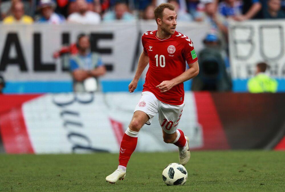 O meia dinamarquês Christian Eriksen durante o jogo contra a França em Moscou