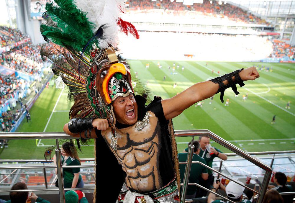 Torcedor mexicano na partida contra a Suécia