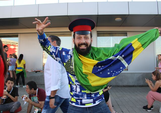 Henrique, torcedor brasileiro, perto do estádio moscovita de Spartak, antes do jogo Brasil-Sérvia, em 27 de junho de 2018