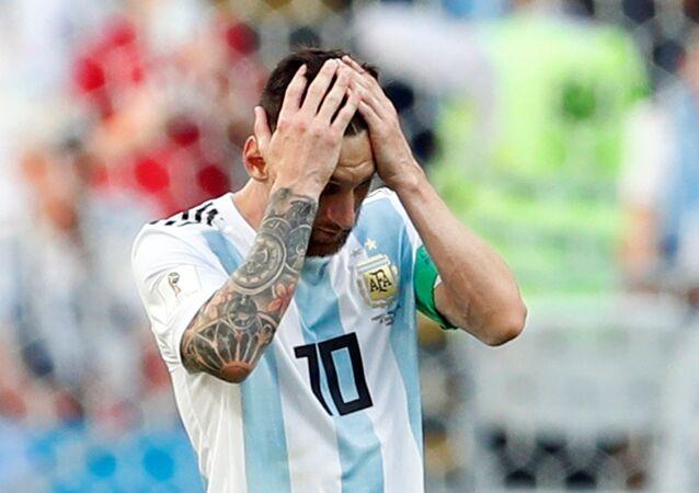 Messi se desespera durante partida contra a França em Kazan, na Rússia.