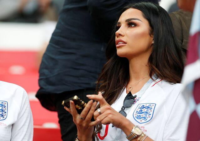 Ruby Mae, namorada do meia da Seleção Inglesa e do clube Tottenham, Dele Alli, antes do jogo entre Colômbia e Inglaterra no estádio Spartak, Moscou, Rússia