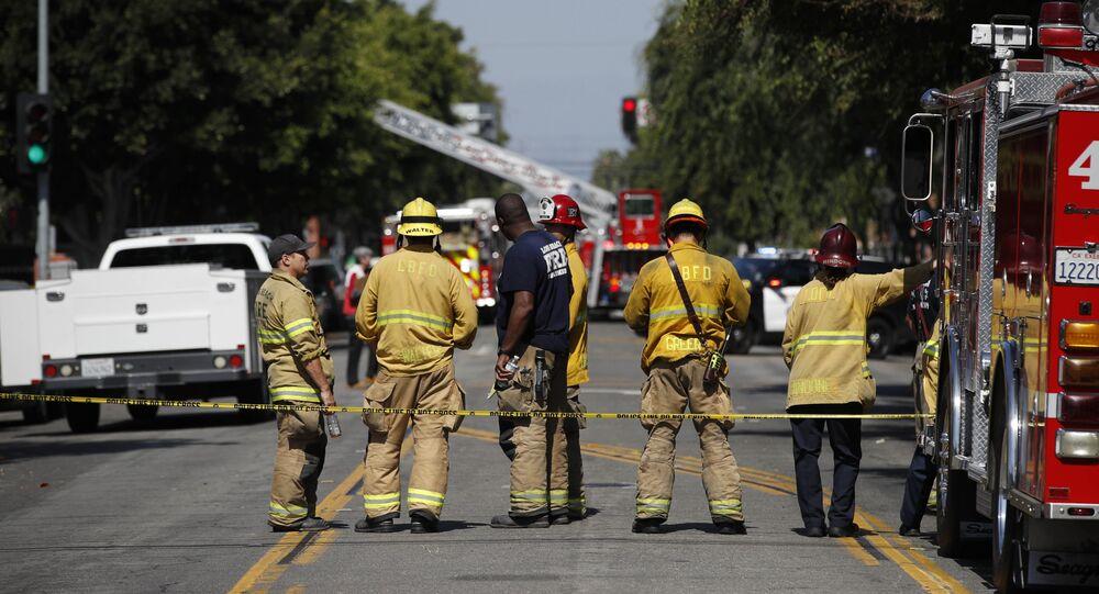Bombeiros perto de casa de repouso em Long Beach, Califórnia, EUA, 25 de junho de 2018 (imagem referencial)