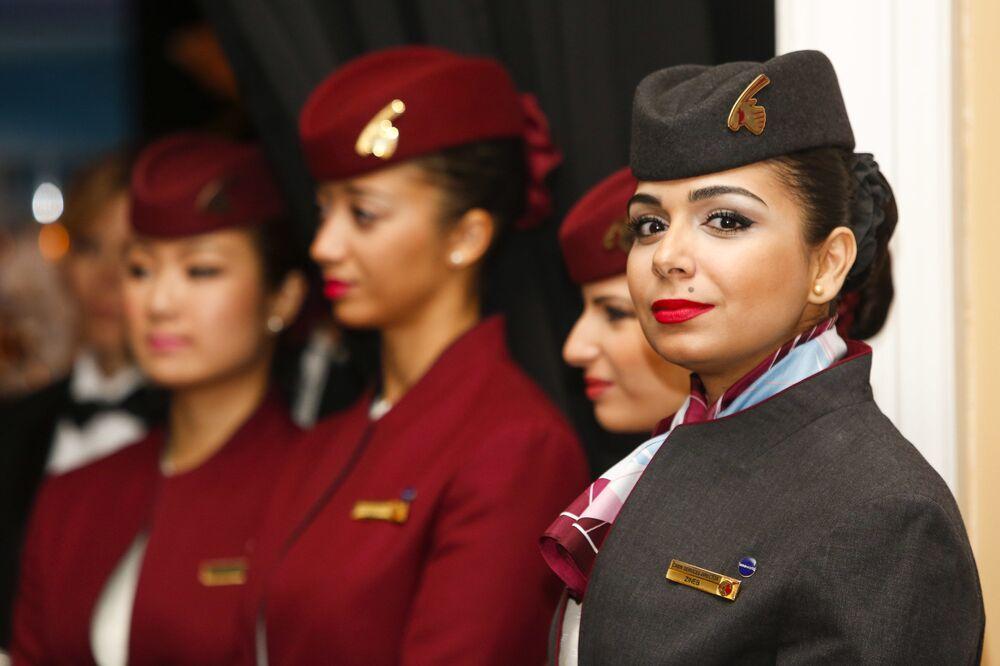 Aeromoças da empresa aérea Qatar Airways